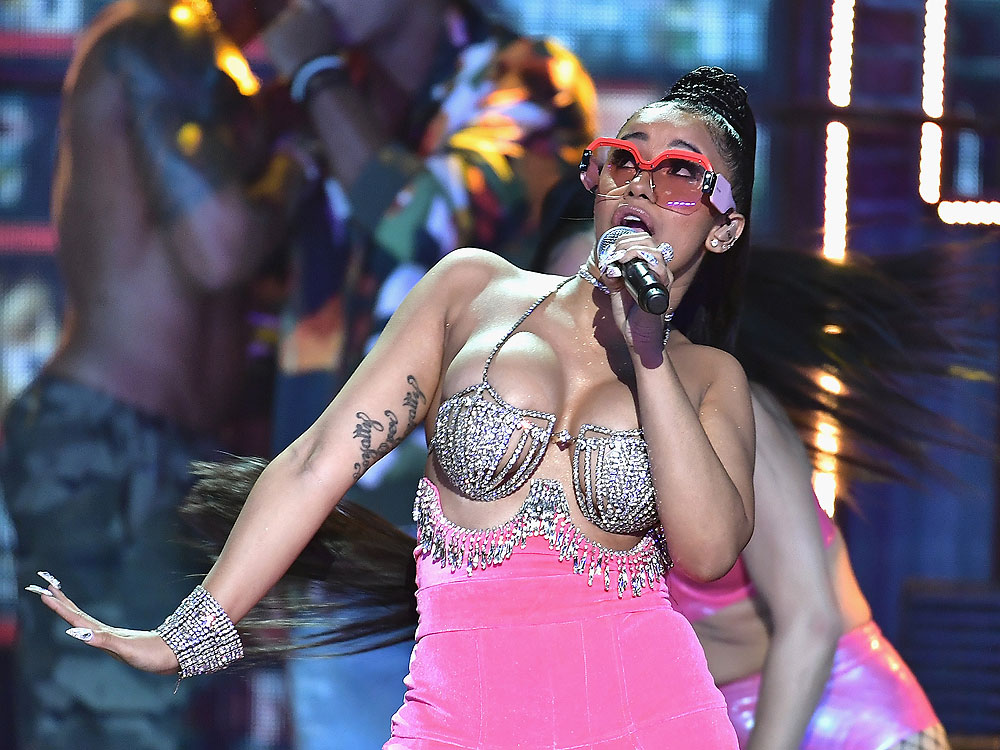 Cardi B First Woman to Have 5 Top Hits on R&B/Hip Hop Songs
