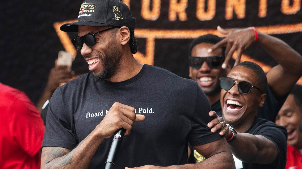 Kawhi Leonard Makes Fun of His Own Laugh at Raptors' Championship Parade