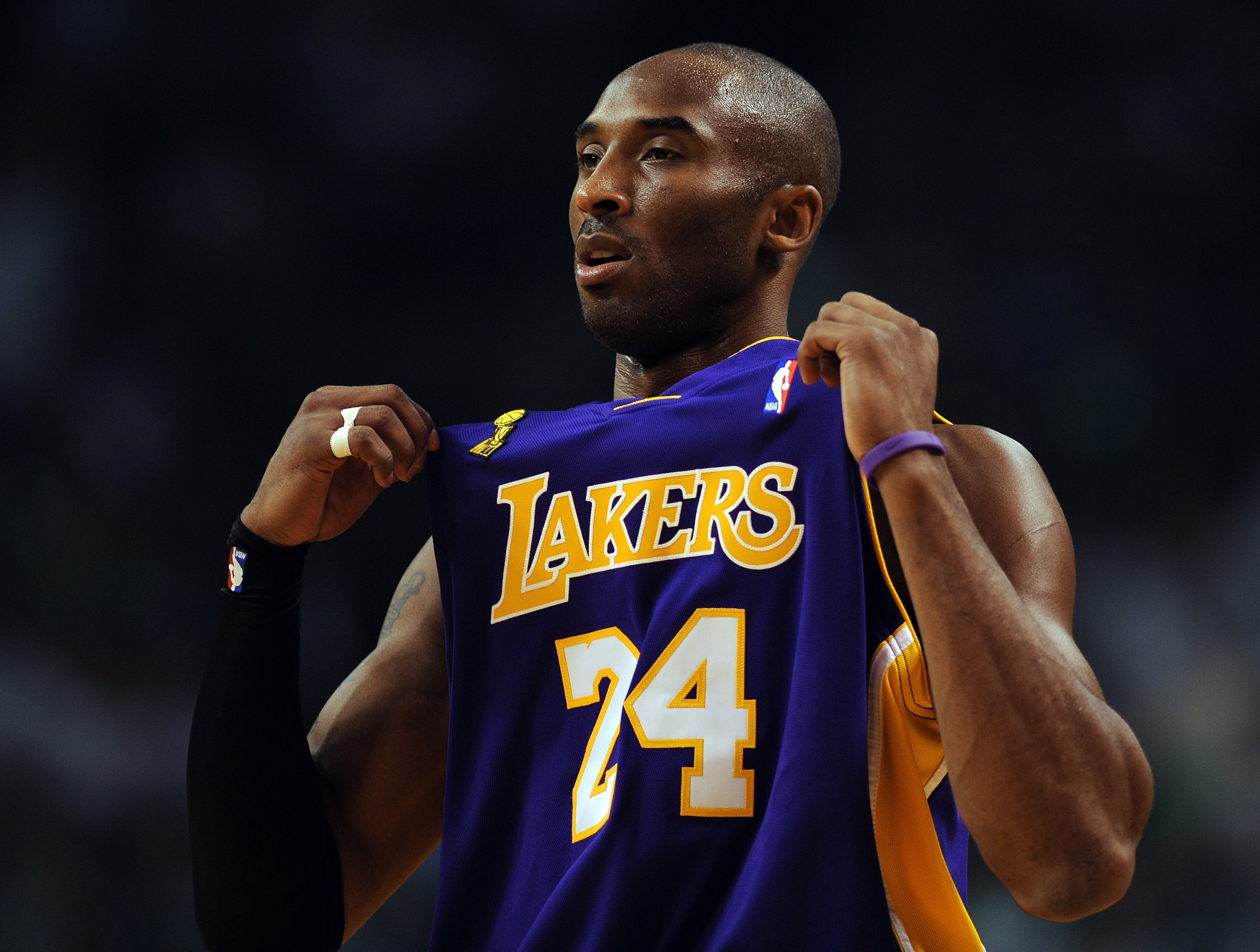 Kobe Bryant Reportedly Died in Helicopter Crash in California