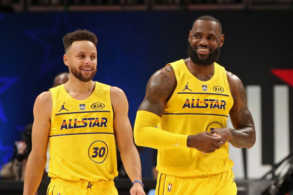 LeBron Has Reportedly Begun Recruiting Steph Curry to Lakers for 2022